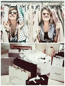 #dzieńmamy Powszechnie wiadomo, że zakupy to to co kobiety kochaja najbardzie...