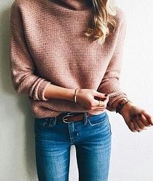 Stylizacja ze swetrem w kolorze brudnego różu - LINK W KOM!