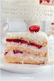 Tort śmietankowy z truskawk...