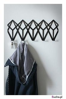 Geometryczny wieszak na ubrania Adamant marki Bucha. Zapraszamy do sklepu :-)...