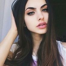 Ładny, delikatny makijaż :)
