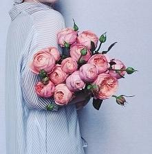 Dzień mamy zaczynam od ulubionych kwiatów mojej mamy - bukiet różowych piwoni...