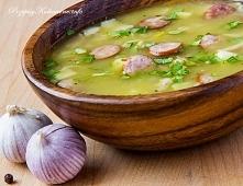 Zupa ziemniaczana z kiełbasą 600 g ziemniaków 100 g wędzonego boczku 250 g ki...