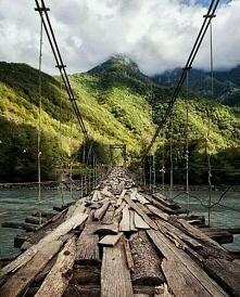 Most nad Rzeką Bzipi w Abch...