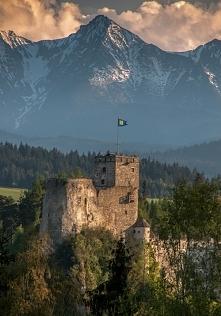 Zamek Dunajec - Niedzica  Średniowieczna warownia znajdująca się w Pieninach ...