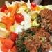 kotlety z kaszy gryczanej (kasza,cebulka,jajko,otręby pszenne,bułka tarta,sol,pieprz,pęczek natki pietruszki) sałatka z warzywami z piekarnika, oliwkami i sałata. Na redukcji nie głoszę się :) pycha!