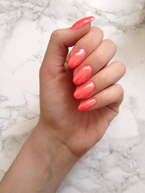 Efekt lustra na paznokciach.Wpadajcie na bloga zobaczyć czego użyłam:)