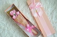 Box z różami.Płatkami możemy umyć ręce lub wrzucić do wanny :)