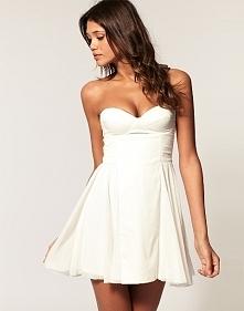 słodka sukienka w bieli
