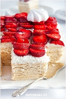 Ciasto rafaello bez pieczenia (z truskawkami)