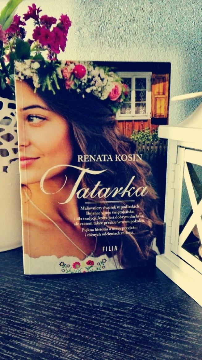 """Tatarka to klimatyczna historia. Z początku czytało się dosyć opornie w sumie może przez barwne opisy, jednak w miarę upływu kartek nie mogłam się oderwać. Bardzo ciekawa książka idealna na letnie wieczory i do tego całkiem niezła fabuła pełna tajemnic :) A """"babka Honorata """" wymiata ;)"""