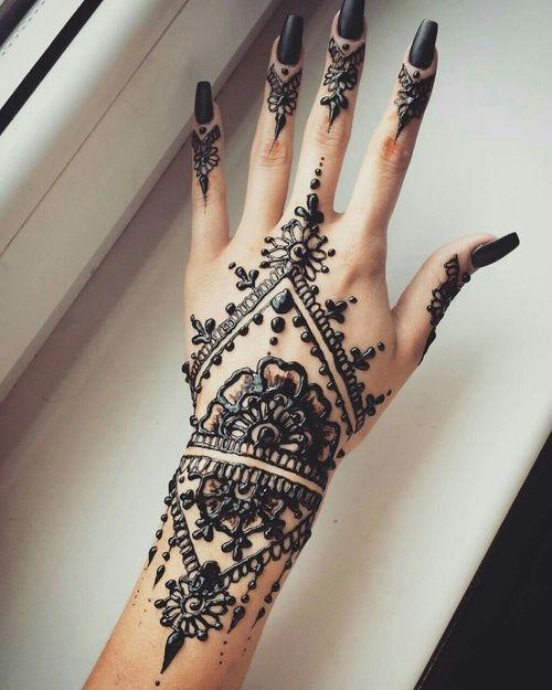 Tatuaż Z Henny Idealny Na Wakacje 3 Na Wizytówka Kobiety