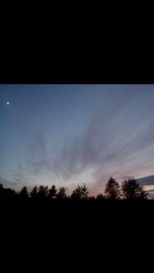 Widok z okna ;) Mały księżyc na rogu ...  ;*