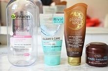 Uwielbiam ten płyn micelarny i peeling do twarzy!Więcej kosmetyków na blogu:)