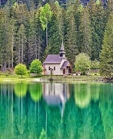 Jezioro Braies we Włoszech `♥.
