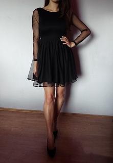 Czarna sukienka z czarnymi przeźroczystymi rękawkami i jedną warstwą tiulu, u...