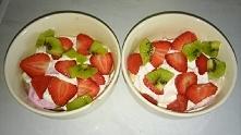 Pychotka :) Deserek :) Ajerkoniak, banany, lody truskawkowe, smietankowe, cze...