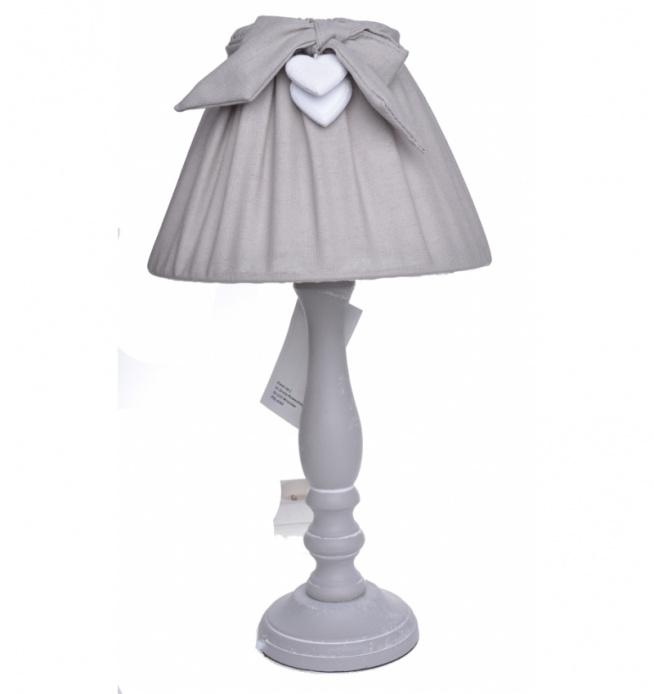 Lampa stołowa z kokardką w kolorze szarym. Podstawa drewniana w kolorze szarym. Klosz do lampy z materiału - marszczony w kolorze szarym z ozdobnymi serduszkami. Kabel do lampy czarny ok 1 m.