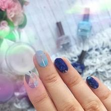 Dzisiaj na blogu festiwalowe paznokcie, które przygotowałam na konkurs Golden Rose :) Jest dużo błyskotek, niebieskiego i baniek mydlanych - więcej zdjęć po kliknięciu w zdjęcie!