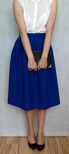 Spódnica jest bardzo kobieca, nadaje się zarówno do eleganckich jak i luźniej...