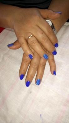Niebieskie:)