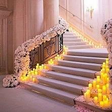Ozdobne schody na wesele <3