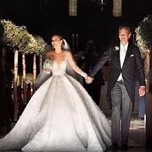 Suknia za ponad 3mln zł zdobiona ok 500 tys kryształkami swarovskiego przez c...
