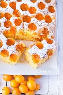 Placek z owocami (mirabelkami)