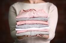 5 patentów na trudne plamy na ukochanej sukience:  Jak usunąć plamę po szminc...