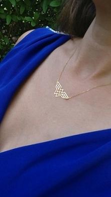 Naszyjnik Wonder Woman wykonany w całości ze srebra najwyższej próby 925, złocony 18-karatowym złotem od Filigree.pl  Kliknij na zdjęcie aby przejść do sklepu!
