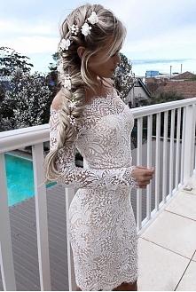 Eksluzywna sukienka za nisk...