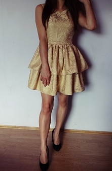 Po raz kolejny sukienka z dwiema falbankami :) Ten krój tak mi się spodobał, ...