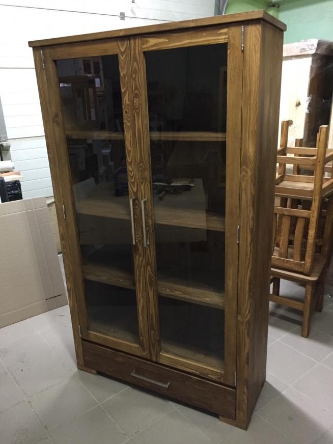 witryna woskowana z litego drewna modern