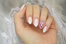 Ombre na paznokciach i kwiatek.Użyte produkty znajdziecie na blogu!Kliknijcie w zdjęcie.