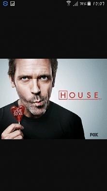 Doktor House-Grupa lekarzy na czele z charyzmatycznym, acz aspołecznym doktorem House'em diagnozuje nietypowe choroby, niejednokrotnie ratując życie pacjentom.
