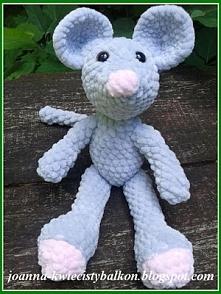 Myszka powstała z włóczki Himalaya dolphin baby, szydełko 2,75mm, wzrost  24cm.