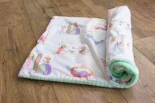 Kocyk dla dziecka. Z jednej strony bawełna w księżniczki, z drugiej miętowy p...