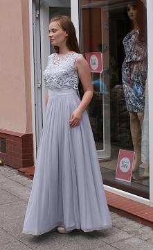 Długa, elegancka, kobieca, idealnie podkreśla figurę. Sukienka na wesele. Jeś...