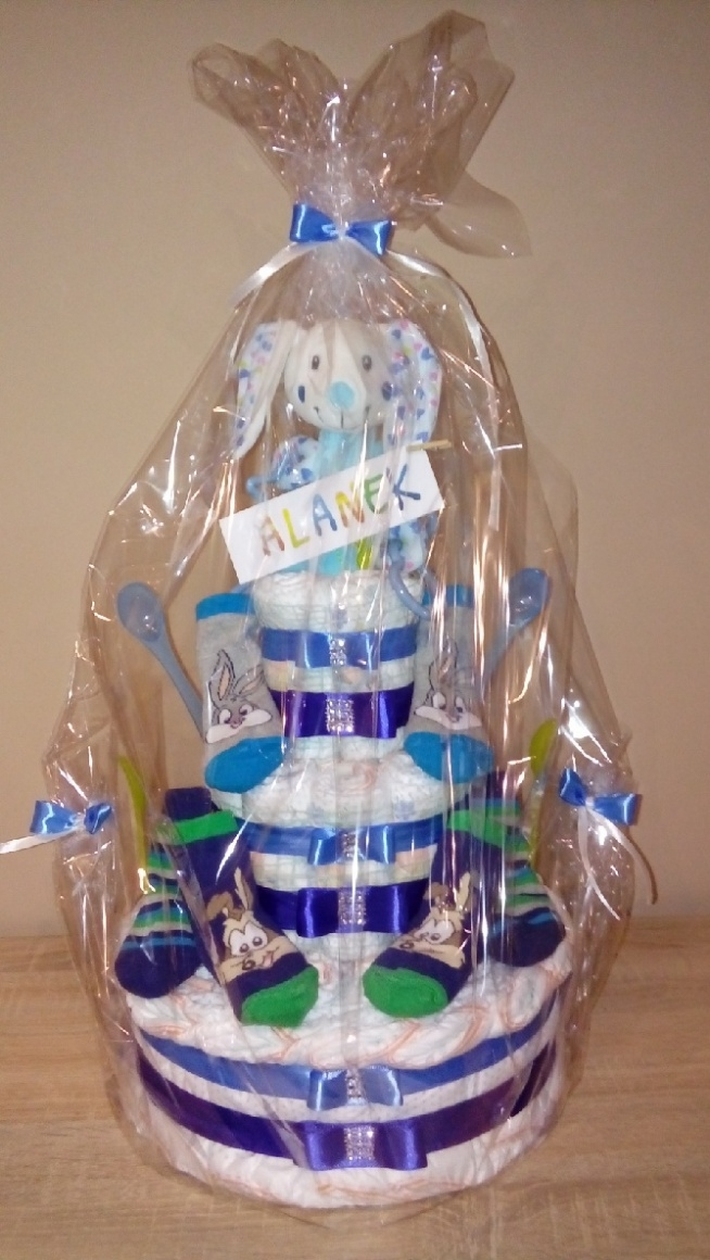 tort z pampersów dla Alanka