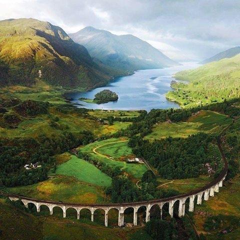 Szkocja. Wiadukt w Glenfinnan