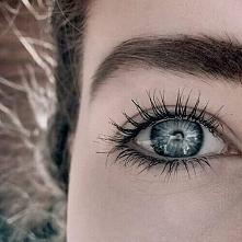 Naturalny makijaż oka i brwi