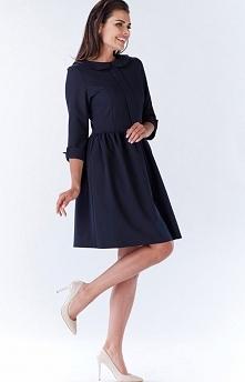 Awama A183 sukienka granatowa Elegancka sukienka, wykonana z jednolitej tkaniny, tył wykończony okrągłym kołnierzykiem