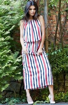 Awama A184 sukienka paski Rewelacyjna sukienka, wykonana z materiału w kolorowe paski, wiązana na plecach