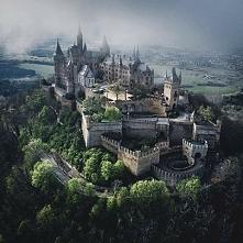 Zamek Hohenzollern w Niemczech.