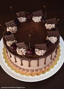 Tort czekoladowy z wiśniową...