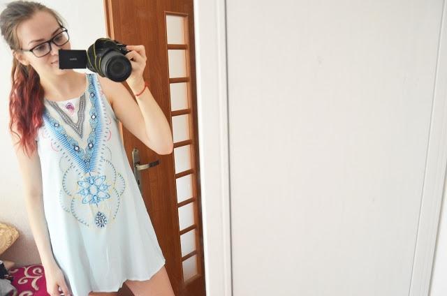 Fajna letnia sukienka na plażę.Link na blogu.