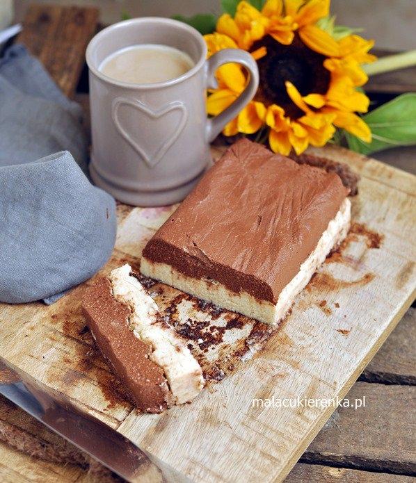 Ciasto wegańskie kakaowo – kawowe z wanilią, bez cukru. Przepis po kliknięciu w zdjęcie.