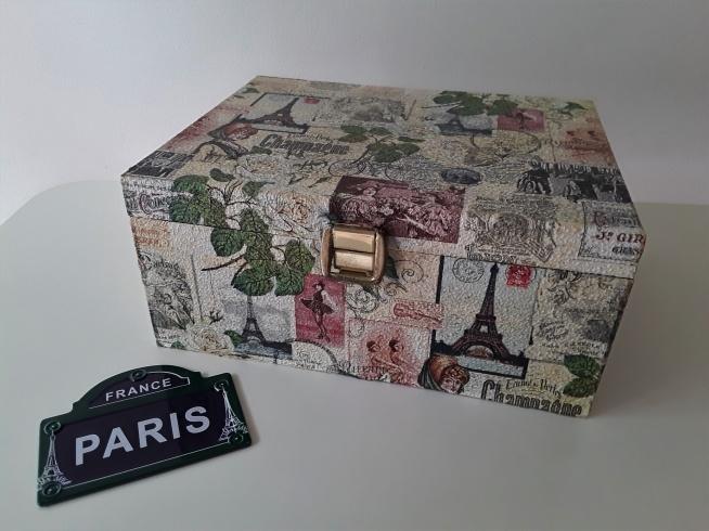 Moja skrzyneczka Paris ozdobiona techniką decoupage:)