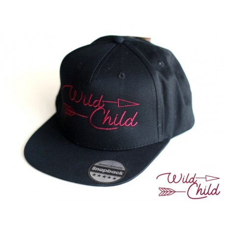 Nasza czapka Wild Child teraz również z haftem w kolorze bordo!  Mimo, że pogoda nie rozpieszcza, to idealny wakacyjny kompan:)  littlethings.pl