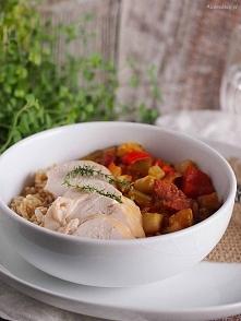 Klasyczne ratatouille, czyli duszone warzywa takie jak papryka, bakłażan, pomidory i cukinia, jednak w jej wykonaniu z dodatkiem chorizo Anny Starmach